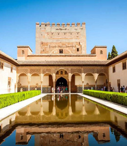 Find your holiday rental in Andalusia, Spain and visite Alhambra in Granada